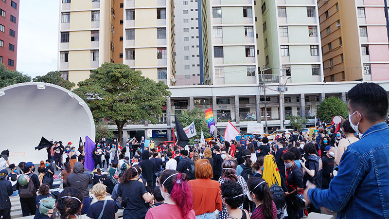 Ato na Concha Acústica marcou o protesto contra o presidente Bolsonaro em Londrina