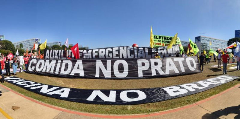 Mobilização em Brasília chamou a atenção dos deputados e senadores para a necessidade de aprovar o Auxílio Emergencial de R$ 600 - Foto: Kleber Freire