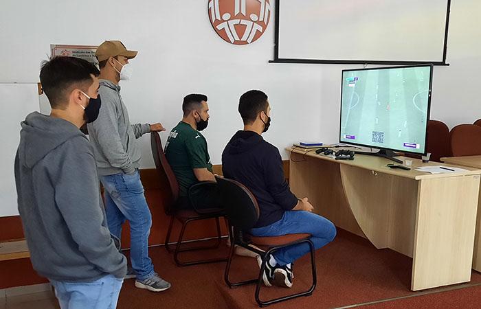 O Campeonato FIFA de vídeo game está sendo disputado na Sede Administrativa do Sindicato de Londrina