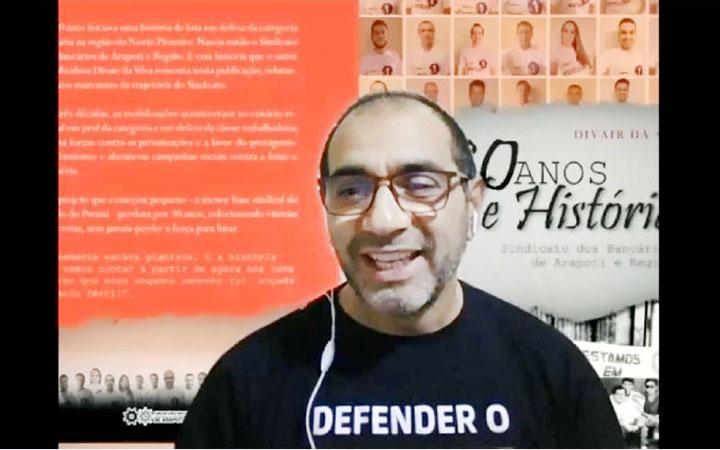 Divair da Silva, primeiro presidente do Sindicato de Arapoti, escreveu o livro sobre a história da entidade