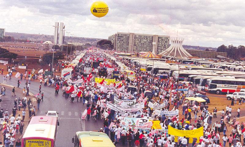 Marcha dos 100 mil completa 22 anos de luta contra as mesmas demandas