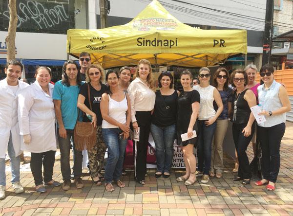 Dirigentes do Sindicato de Londrina participaram do Ato Público do dia 25/11 no Calçadão