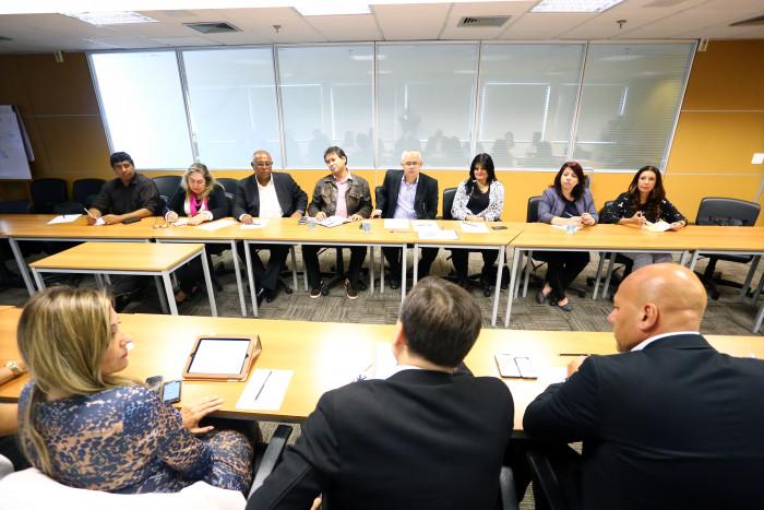 Contraf-CUT retoma mesa de negociação com a Fenaban