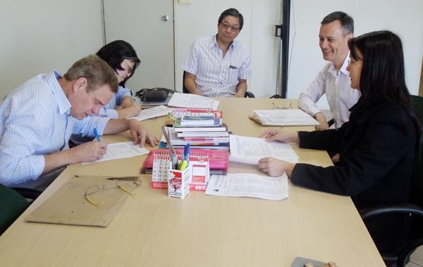 Ex-empregados da Caixa da base do Sindicato de Apucarana aceitaram as propostas sobre o Auxílio-alimentação da Caixa