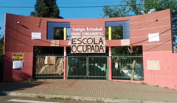Escola Maria José Balzanelo Aguilera, uma das 20 ocupadas por estudantes em Londrina