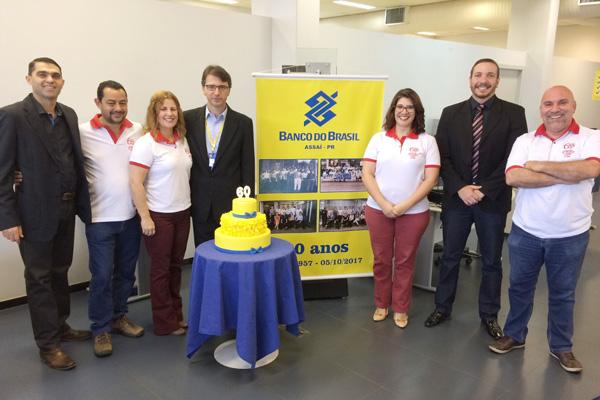 Dirigentes do Sindicato de Londrina prestigiaram a comemoração dos 60 anos da agência do Banco do Brasil em Assaí
