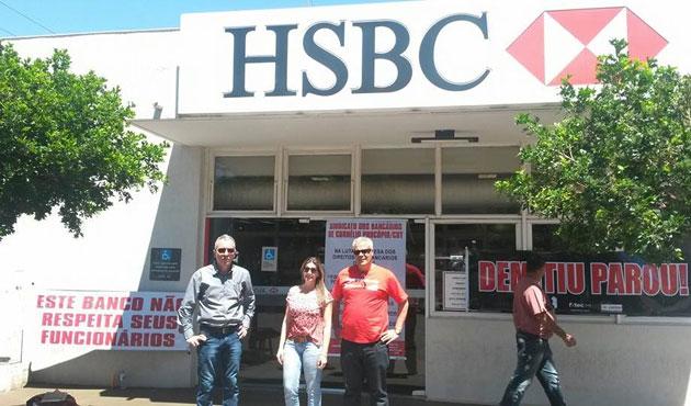 Na foto, de 2014, a agência do então HSBC em Andirá foi alvo de protesto do Sindicato de Cornélio Procópio contra demissões