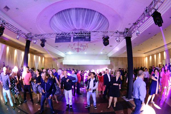 Mais de 300 pessoas prestigiaram o Baile dos Bancários organizado pelo Sindicato de Londrina