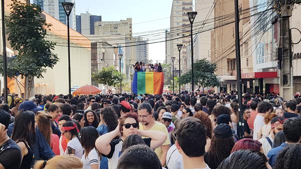 A Parada foi iniciada no Calçadão e teve a presença de mais de 5 mil pessoas