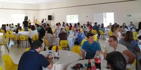 Cerca de 180 pessoas participaram do almoço preparado pelo Sindicato de Arapoti em comemoração ao Dia da Categoria Bancária