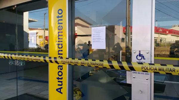 Em pouco mais de um mês, a agência do BB na Rua Araguaia foi arrombada na madrugada de domingo - Foto: Ademir dos Santos/RPC