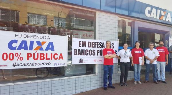 A atividade de quarta-feira (27/09) do Sindicato de Apucarana foi realizada na agência da Caixa em Jandaia do Sul