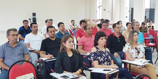 Dirigentes dos Sindicatos de Apucarana, Arapoti, Cornélio Procópio e de Londrina participaram do curso em Campo Mourão