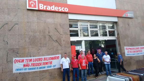 Dirigentes do Sindicato denunciaram a prática de demissões em massa no Bradesco