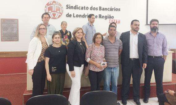 A diretoria eleita do Conselho Municipal de Saúde de Londrina com membros da Comissão Eleitoral