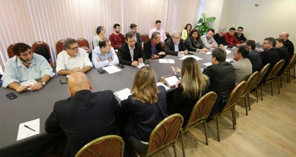 A reunião entre o Comando Nacional dos Bancários e a Fenaban, realizada ontem (8/08), em São Paulo, deu continuidade às negociações sobre as cláusulas 37, 62 e 65 da CCT - Foto: Jaílton Garcia/ Contraf-CUT