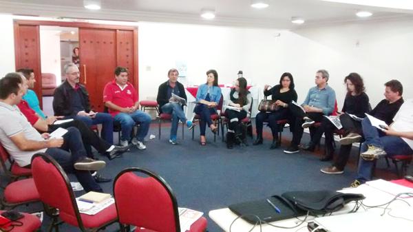 Dirigentes dos Sindicatos filiados à Fetec-CUT/PR participam da oficina de imprensa em Curitiba