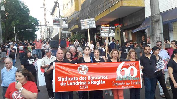 Dirigentes do Sindicato de Londrina durante o protesto do Dia Nacional de Mobilização