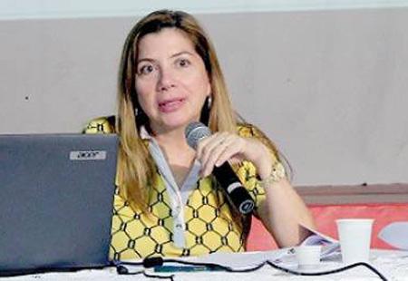 Denise Lobato critica as desonerações feitas pelo governo nas contribuições das empresas
