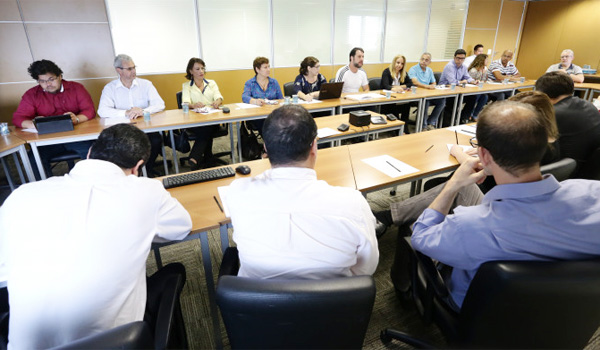 Dirigentes da Contraf-CUT criticaram a postura da Fenaban na mesa de de Saúde do Trabalhador Bancário - Foto: Jailton Garcia/Contraf-CUT