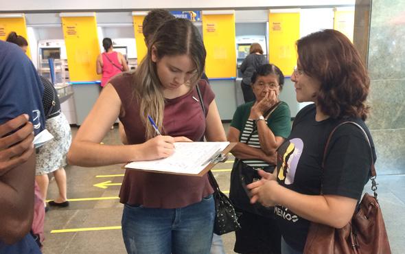 Sindicato recolheu assinaturas no documento contra o desmonte do BB e por melhor atendimento nas agências