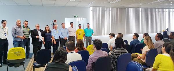 Reforma trabalhista e defesa dos bancos públicos estiveram em debate na reunião no BB de Arapongas nesta segunda-feira (21/11)