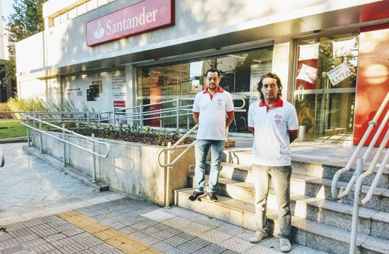 Diretores do Sindicato de Londrina no protesto na agência Alto Higienópolis, onde fica a Regional do banco