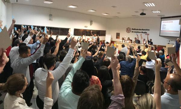 A Assembleia do Sindicato de Londrina teve a participação de cerca de 170 bancários e bancárias