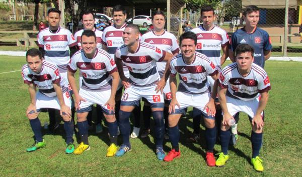 Jogadores do Bradesco de Santa Mariana conquistaram o título de campeões do Torneio do Trabalhador em 2018