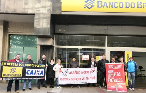 Dirigentes do Sindicato de Londrina promoveram o Dia do Basta nesta sexta-feira (10/08)