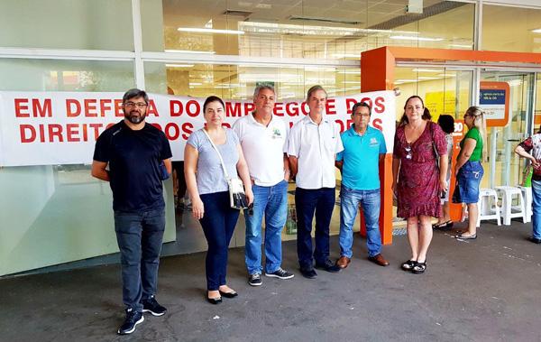 O Sindicato retardou a abertura da agência 3724 em protesto contra ataques aos direitos dos funcionários