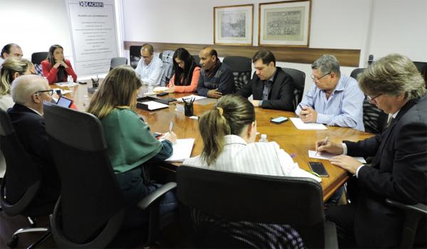 Trabalhadores reivindicam a manutenção dos atuais direitos previstos na CCT