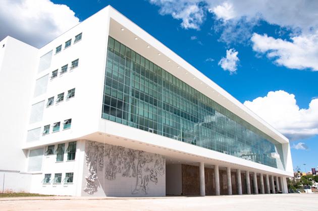 O Palácio do Iguaçu, sede do governo do Paraná, foi um dos locais objeto de busca e apreensão pela PF
