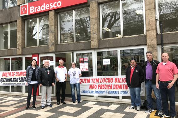 Paralisação na agência Praça Willie Davids cobra contratações para regularizar condições de trabalho e de atendimento
