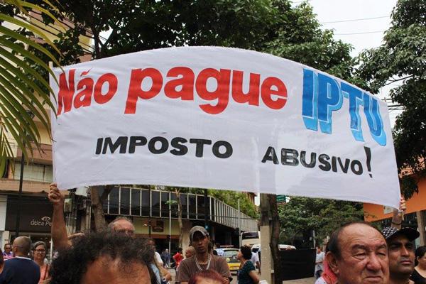 Protesto no Calçadão no sábado (13/01) reuniu cerca de 3 mil pessoas - Foto: Ivo Ayres