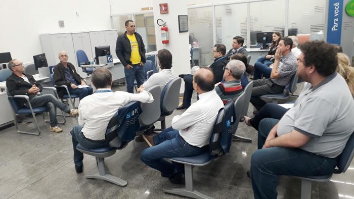 Diretores do Sindicato se reuniram com empregados destacando a importância de lutar contra a privatização da Caixa