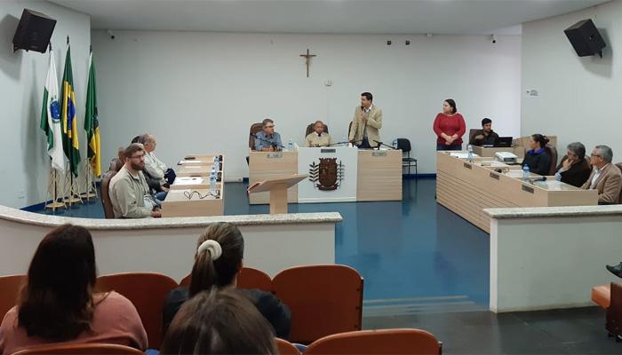 A Audiência Pública na Câmara Municipal de Ibiporã debateu o cumprimento da  Lei 2.646/13, que dispõe sobre a garantia do pleno gozo dos direitos das PCDs