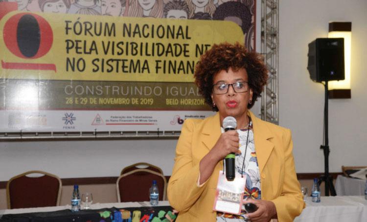 A doutora Ângela Gomes falou sobre a falta de reconhecimento do legado das mulheres negras - Foto: Alessandro Carvalho