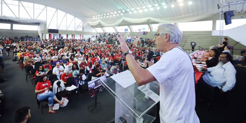 Sindicalistas de 50 países participam de seminário que abriu o 13º Concut nesta segunda-feira (7/10), em Praia Grande - Foto: Roberto Parizotti/CUT Nacional