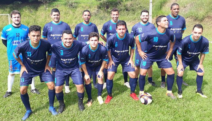 Atletas do Bradesco de Santa Mariana sagraram-se tricampeões do Torneio do Trabalhador organizado pelo Sindicato de Cornélio Procópio
