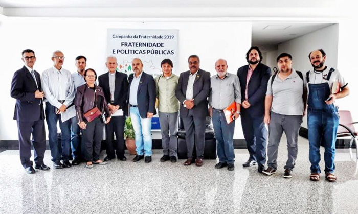 Dirigentes das Centrais Sindicais com membros do Conselho da CNBB