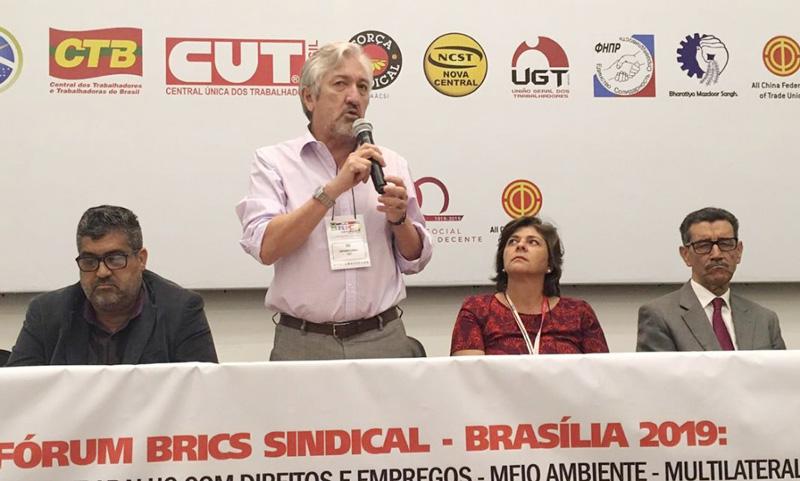 Antônio Lisboa, secretário de Relações Internacionais da CUT, afirmou que as novas tecnologias estão precarizando as relações de trabalho no Brasil