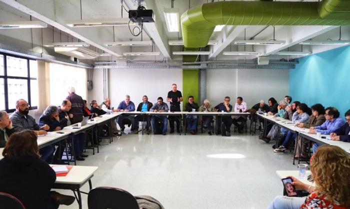 As Centrais Sindicais se unirão aos estudantes e professores nas atividades do dia 13/08 em defesa da aposentadoria - Foto: Roberto Parizotti