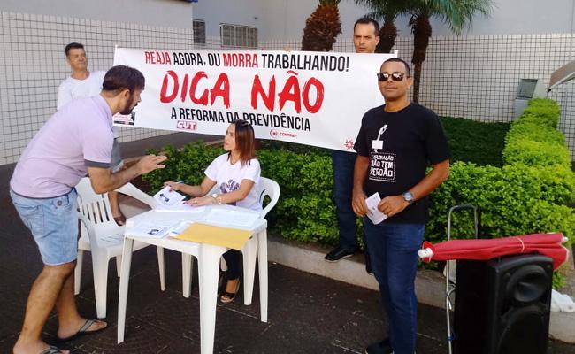 Reaja agora: Sindicato de Cornélio intensifica coleta de assinaturas contra a aprovação da PEC 06