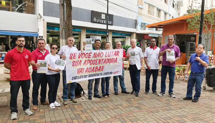 Diretores e diretoras do Sindicato de Londrina mobilizam a população contra a reforma da Previdência