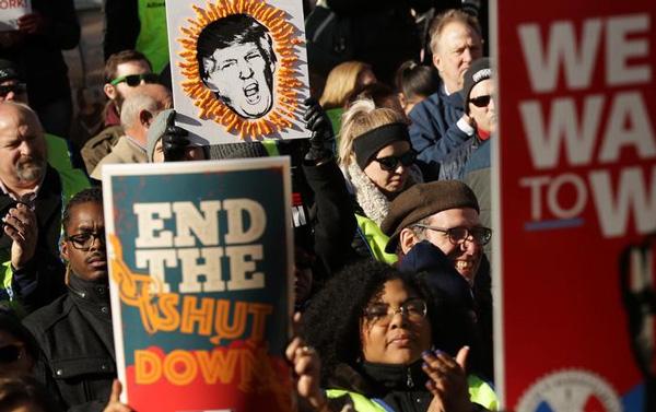 A greve mobiliza agentes do FBI, controladores do tráfego aéreo, funcionários de museus e de diversos outros departamentos federais dos EUA