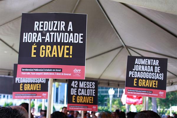 Greve dos servidores do Paraná pressionar governo Ratinho Jr. a cumprir promessa de campanha e reajustar salários