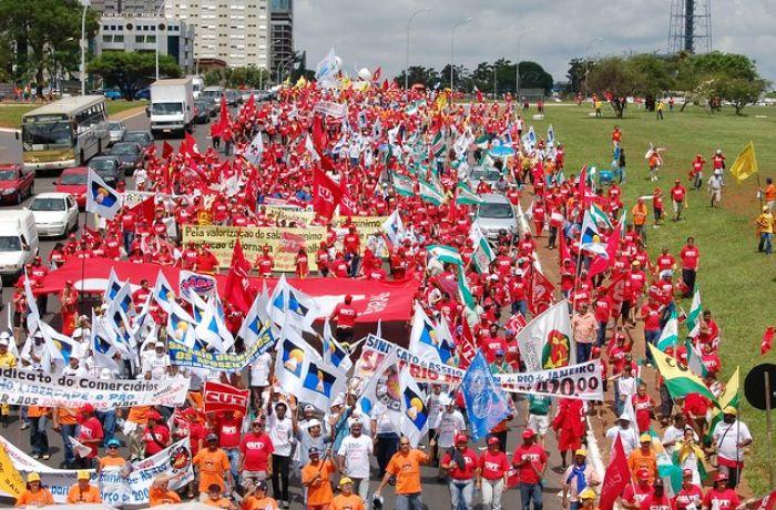 Mobilização da Classe Trabalhadora foi decisiva para garantir a Política de Valorização do Salário Mínimo, agora descartada pelo governo federal - Foto: Dino Santos/CUT
