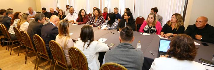 Representantes do Comando Nacional dos Bancários e da Fenaban definiram parâmetros para realizar o 3º Censo da Diversidade - Foto: Jailton Garcia