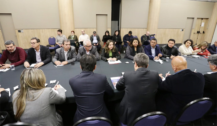 Na reunião com a Fenaban, o Comando Nacional dos Bancários manifestou contrariedade à abertura dos bancos aos sábados